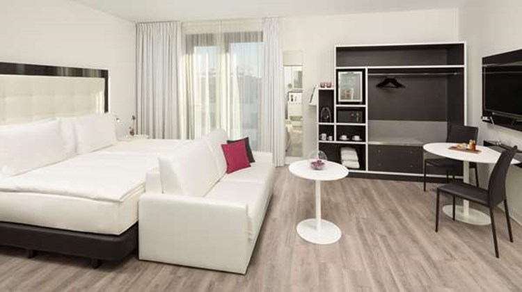 INNSIDE by Melia Frankfurt Ostend Room