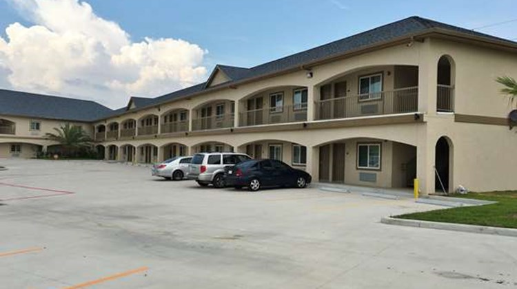 Americas Best Value Inn & Suites/Houston Exterior