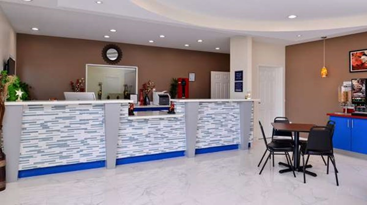 Americas Best Value Inn & Suites-Spring Lobby