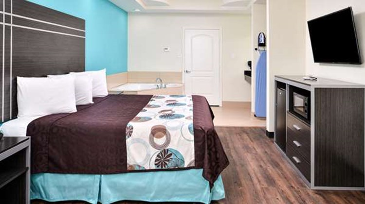 Americas Best Value Inn & Suites-Spring Suite