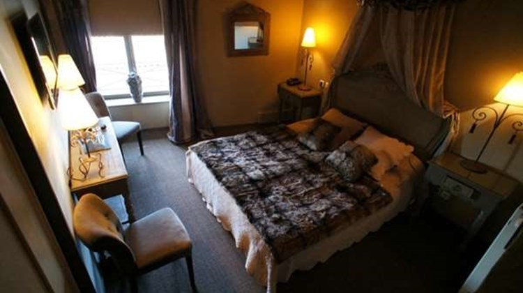 La Tour De Crecy Hotel Room