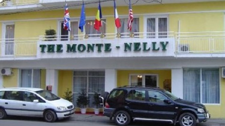 Monte-Nelly Hotel Exterior