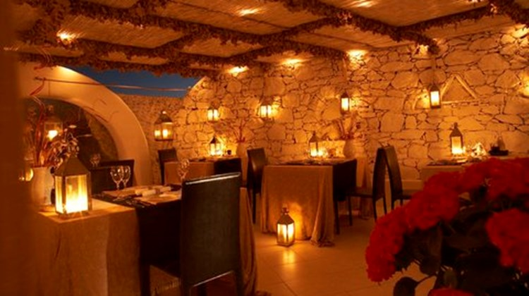 Apsenti Boutique Resort-Couples Only Restaurant