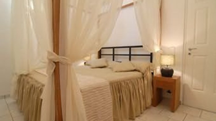 Athina Suites Luxury Villas Room