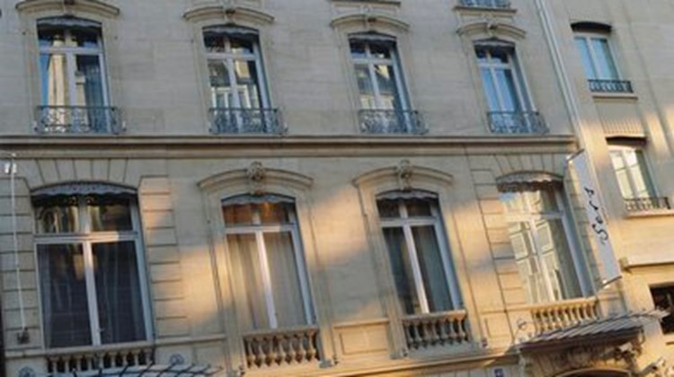 hotel de sers images videos deluxe paris france hotels travel weekly. Black Bedroom Furniture Sets. Home Design Ideas
