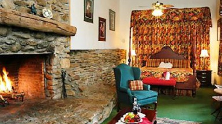 Archers Inn Room