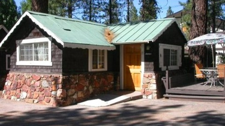Black Forest Lodge & Cabins Exterior