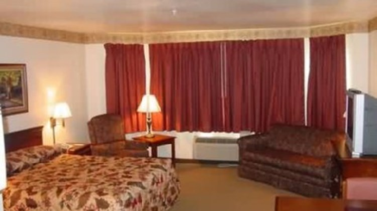 All Towne Suites Room