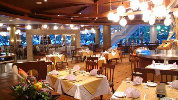 A-ONE The Royal Cruise Hotel Pattaya Restaurant