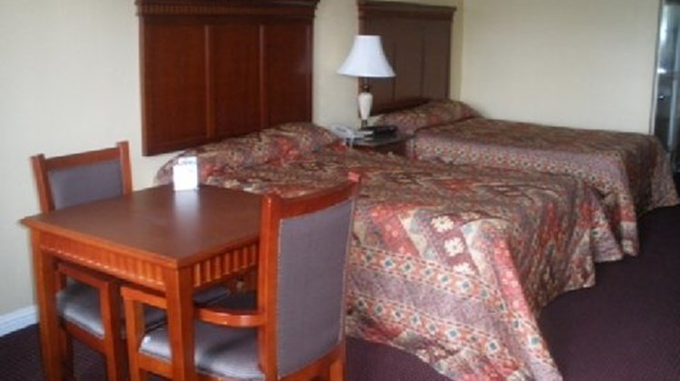 Antioch Quarters Inn & Suites Room