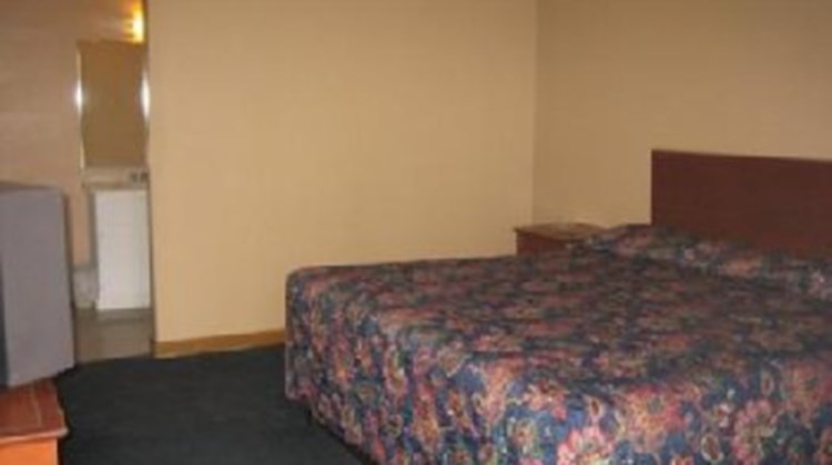 Budget Inn and Suites Room