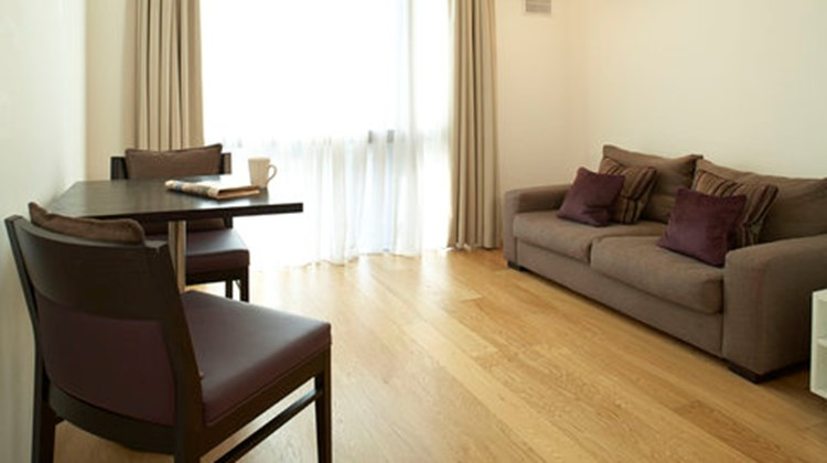 Apartments Think Earls Court Room