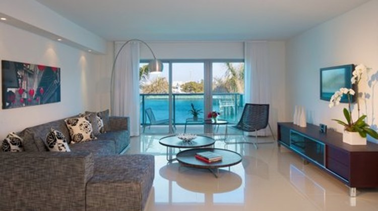 Bal Harbour Quarzo Boutique Hotel Suite