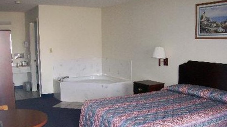 American Inn and Suites Room