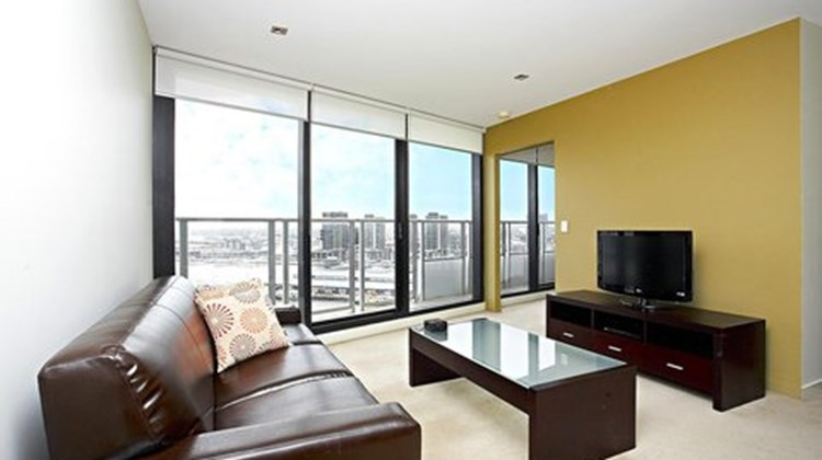 Astra Merchant Docklands Suite