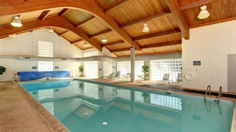 Aspen Ridge Condominiums Pool