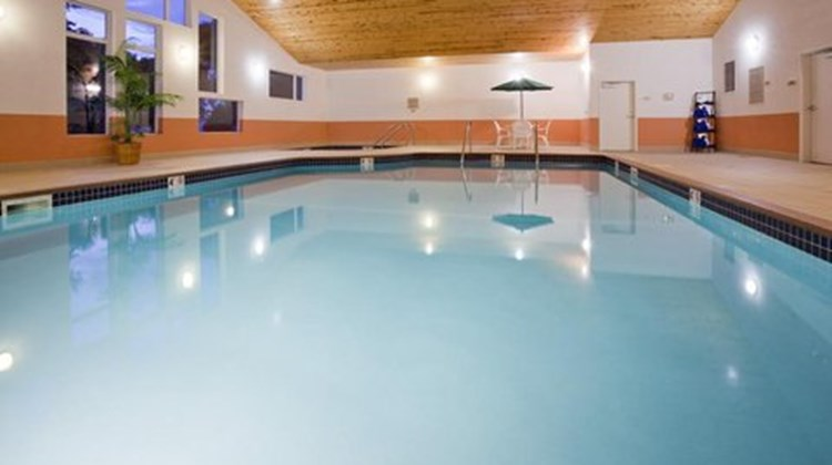 Grandstay Hotel Suites Pipestone Pool