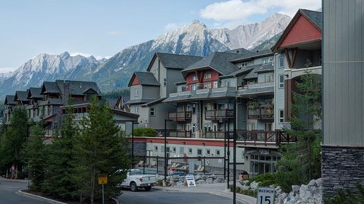 Lodges at Canmore Exterior