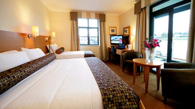 Armagh City Hotel Room