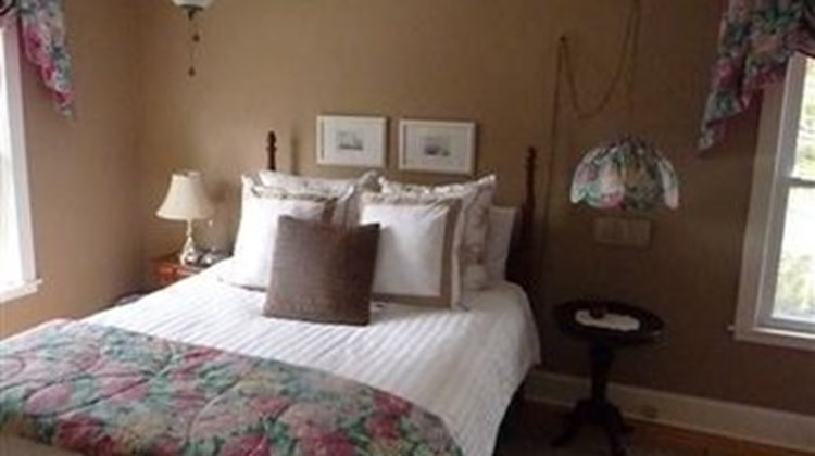 Arbour Bed & Breakfast/Guest House Room