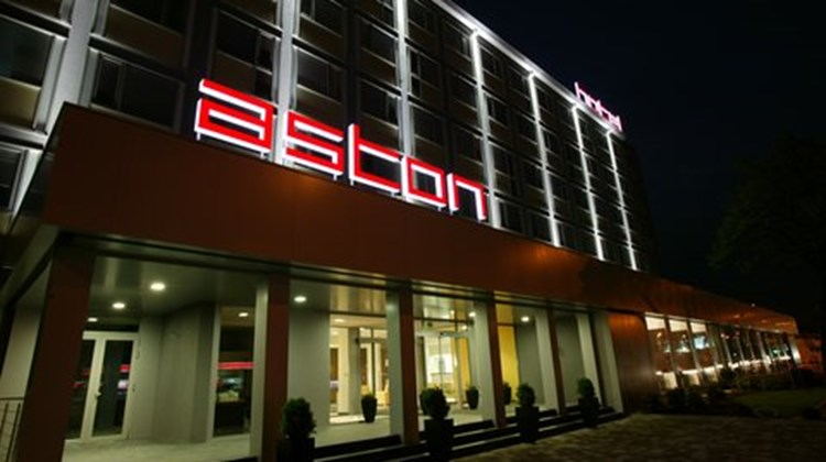 Aston Business Hotel Exterior