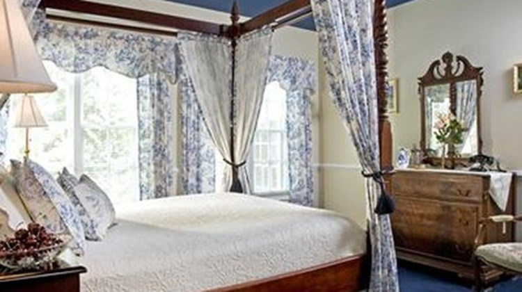 A Williamsburg White House B & B Room