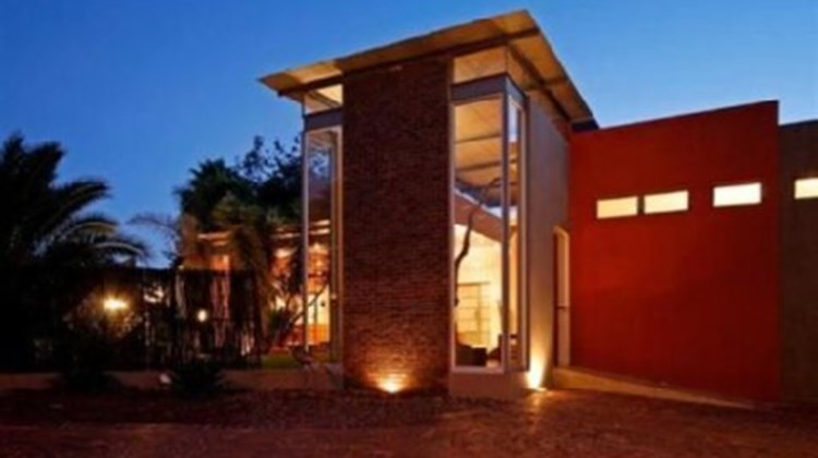 African Moon Exterior