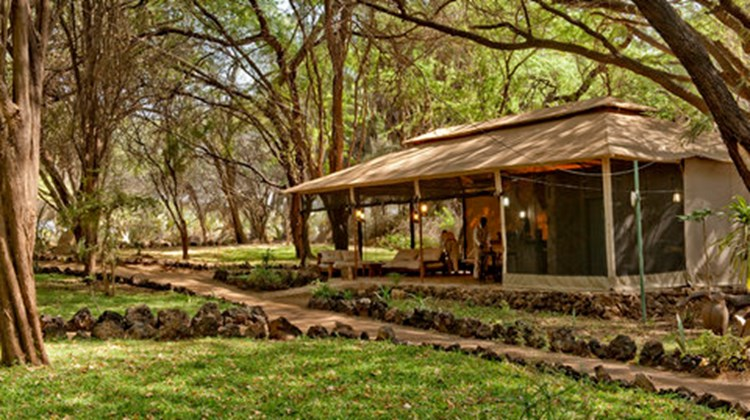 Larsens Camp- First Class Samburu Game Reserve, Kenya