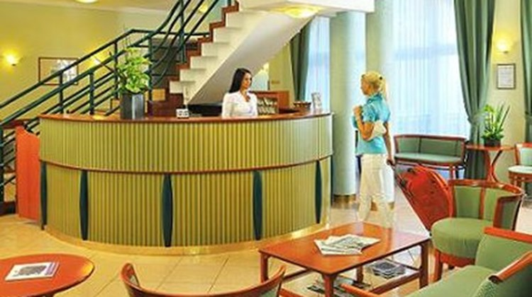 Baross City Hotel Lobby