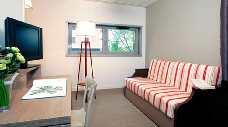 Appart'City Narbonne Room