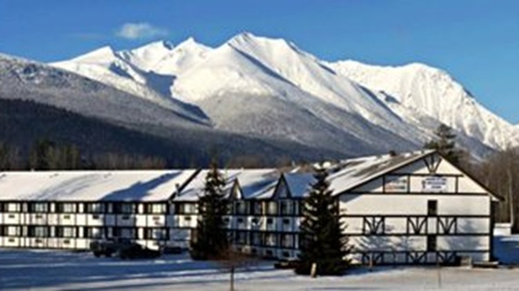 Hudson Bay Lodge First Class Smithers Bc Hotels Gds