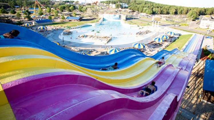 Hotel Rome At Mount Olympus Park Images Videos Wisconsin Dells Wi Hotels Travel Weekly