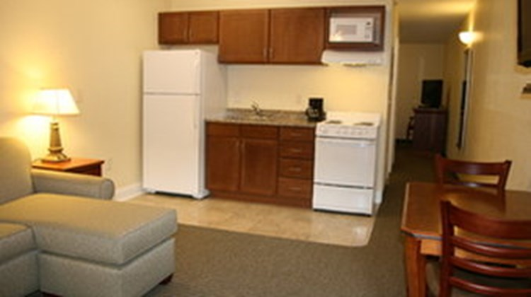 Affordable Suites of America Fayettevill Room