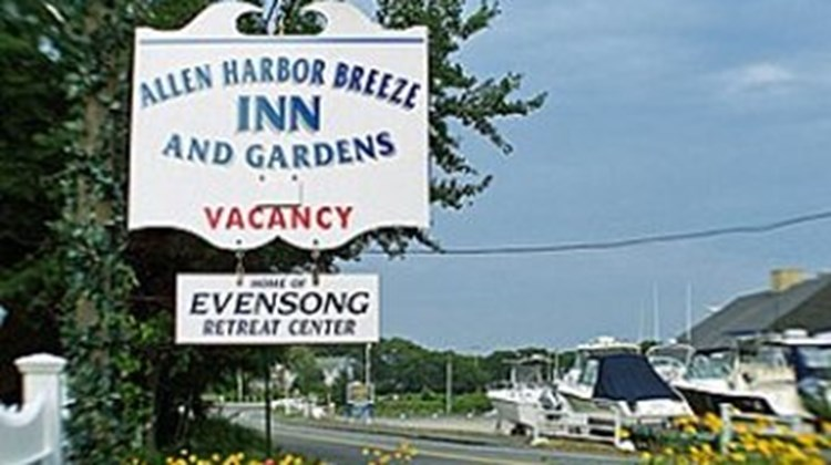 Allen Harbor Breeze Inn & Gardens Exterior