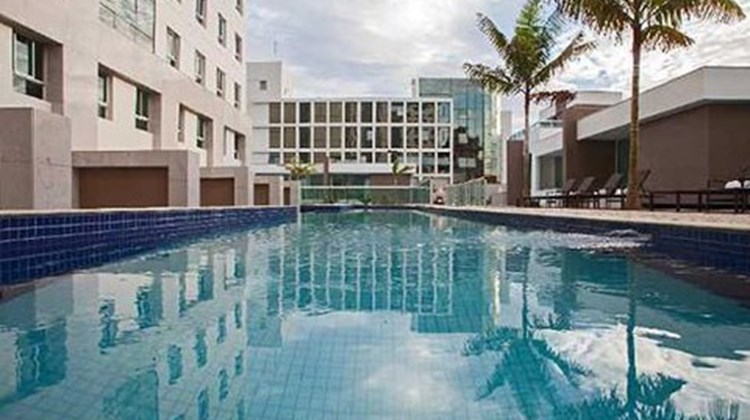 Blue Tree Premium Jade Brasilisa Pool