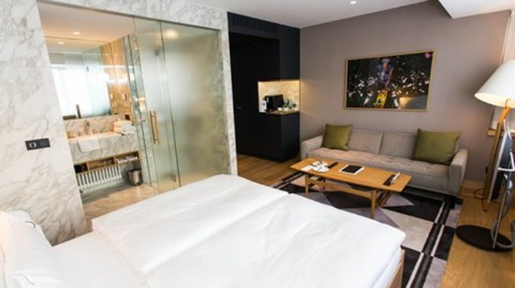 The guesthouse vienna a design hotel images videos for Design hotel vienna