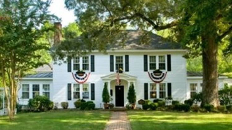 A Williamsburg White House B & B Exterior
