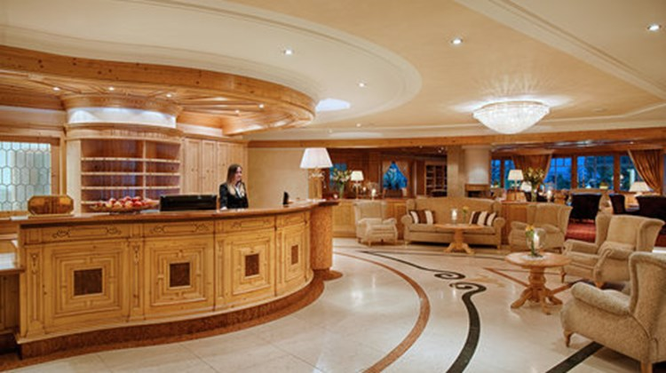 Alpen Palace Deluxe Hotel & Spa Resort Lobby