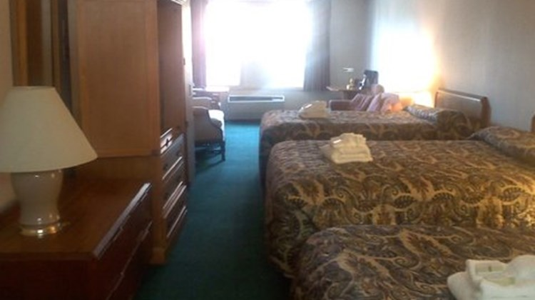 Anchorage Inns Room
