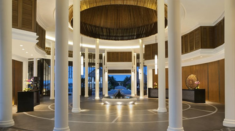 AVANI Sepang Goldcoast Resort Lobby