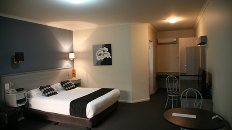 Ibis Styles Adelaide Manor Room