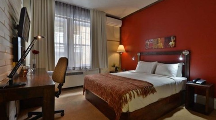 Auberge du Quartier Room