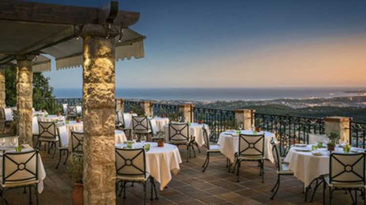 Chateau saint martin spa images videos deluxe vence france hotels travel weekly - Restaurant boulevard saint martin ...