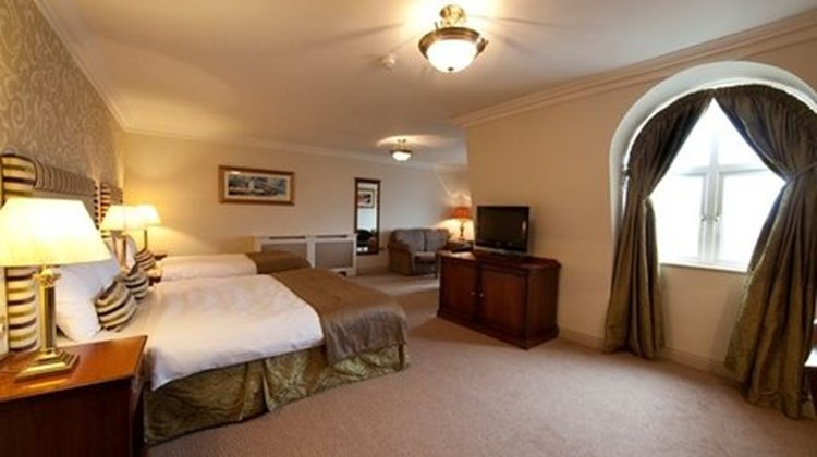 Bracken Court Hotel Room
