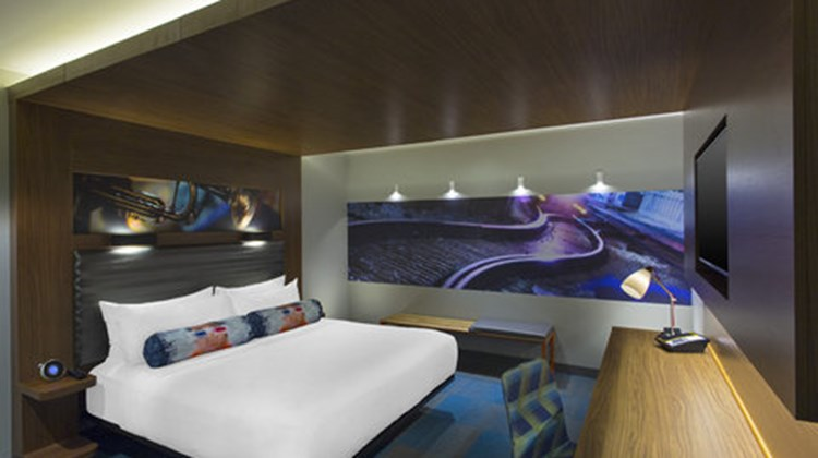 aloft New Orleans Downtown Room