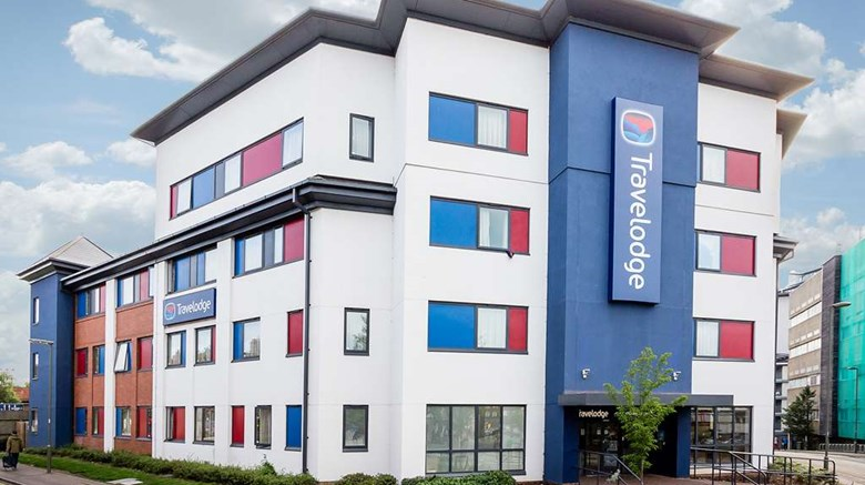 "Travelodge Woking Central Exterior. Images powered by <a href=""http://web.iceportal.com""  target=""_blank"">Ice Portal</a>."