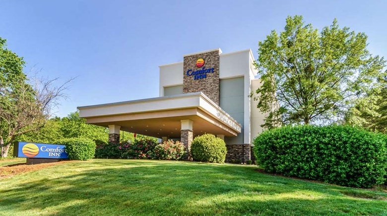 "Comfort Inn Raleigh Exterior. Images powered by <a href=""http://web.iceportal.com""  target=""_blank"">Ice Portal</a>."