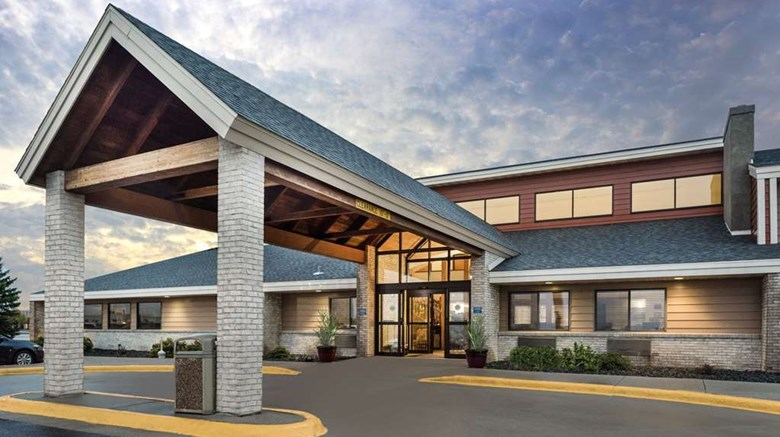"AmericInn by Wyndham Wahpeton Exterior. Images powered by <a href=""http://web.iceportal.com""  target=""_blank"">Ice Portal</a>."