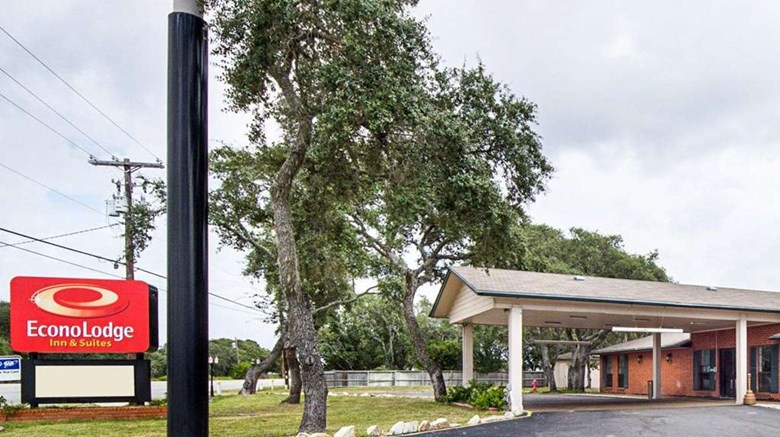 Econo Lodge Inn By The Bay Exterior Images Ed A Href