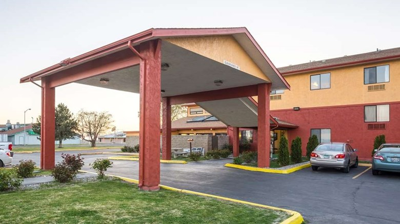 "Quality Inn Moses Lake Exterior. Images powered by <a href=""http://web.iceportal.com""  target=""_blank"">Ice Portal</a>."